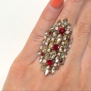 Express gold intricate Art Deco cocktail ring